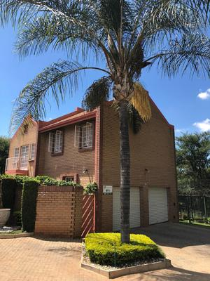 Property For Sale in Faerie Glen, Pretoria
