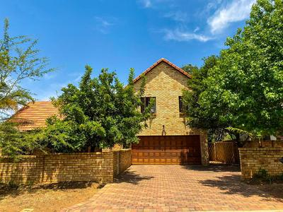 Property For Sale in Kosmosdal, Centurion
